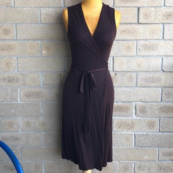 Diane Von Furstenberg Dresses   Skirts - DIANE VON FURSTENBERG VNeck Wrap  Dress Rayon 2 163eefba8